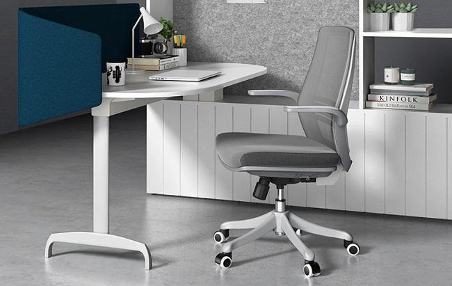 在家办公的第四天,我终于明白了办公椅的重要性